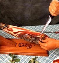 Septième étape de la découpe de jambon Ibérique - Pata Negra